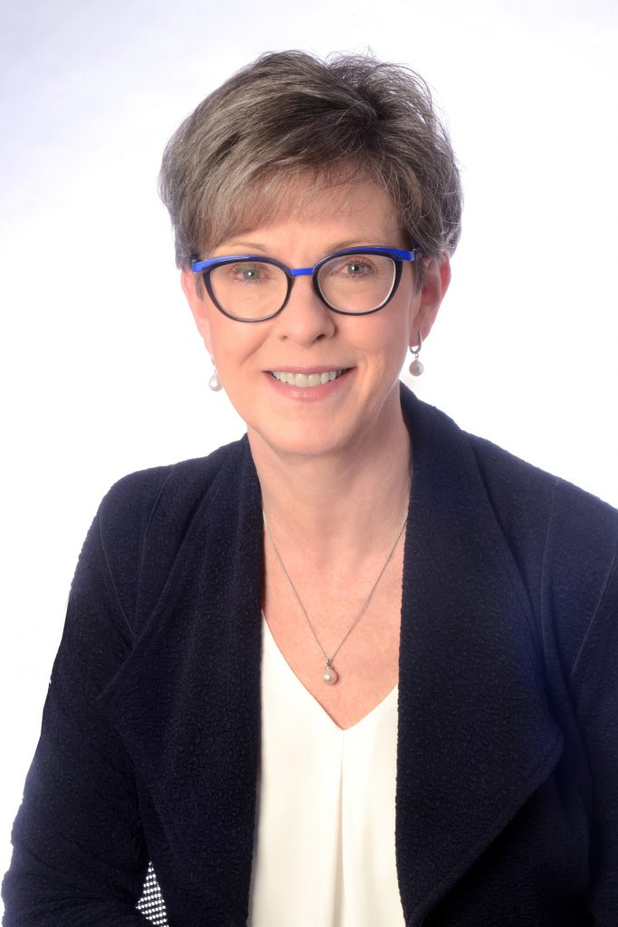 Head shot of President & CEO of Donor Alliance, Sue Dunn