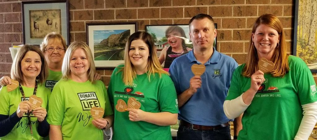 cheyenne_wyoming_driver_services_blue_and_green_day_2018_donate_life_wyoming